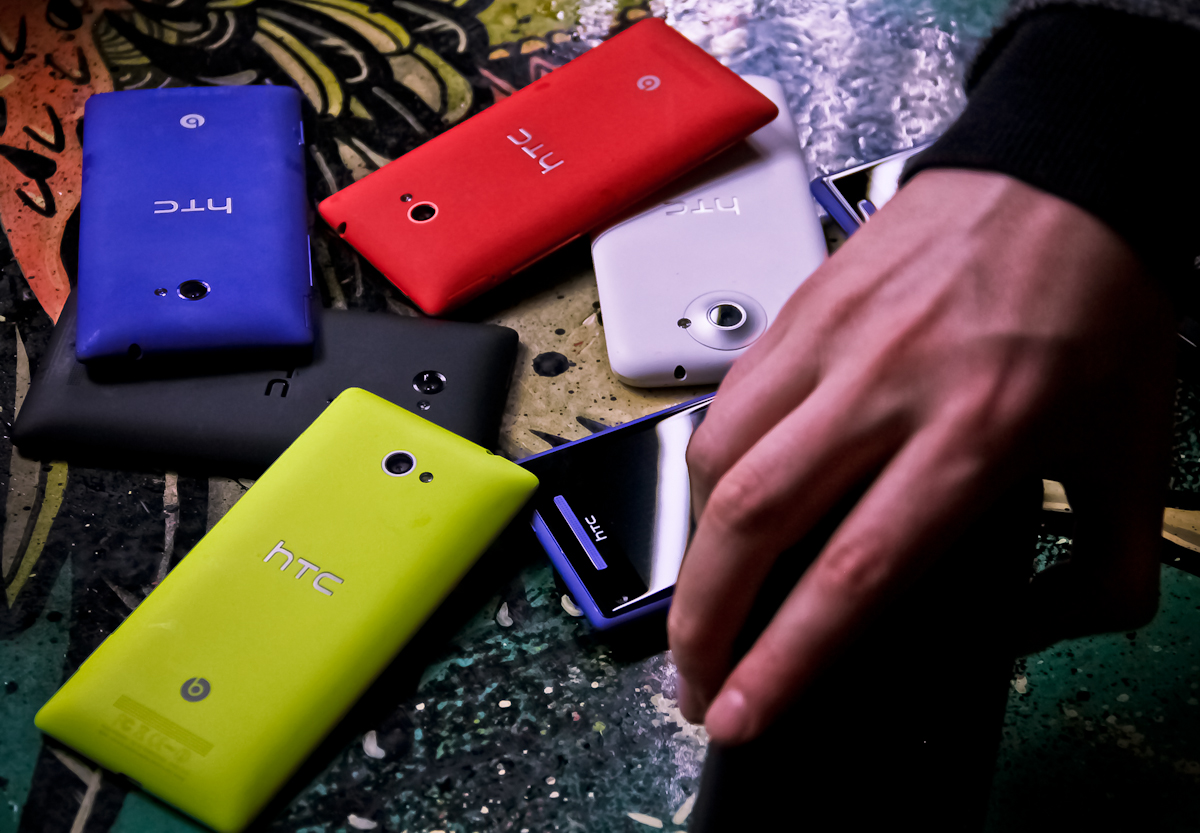 Colorful Windows Phone 8X by HTC